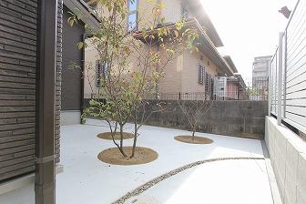 雑草対策&敷地の有効活用に、コンクリートを施工